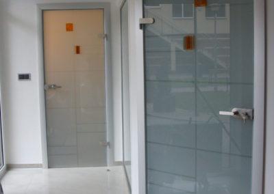 Drzwi szklane ościeżnicowe