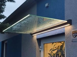daszki szklane z oświetleniem